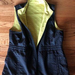 CAbi Tops - Cabi Reversable Travel Vest